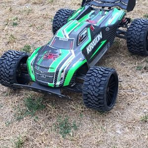 Arrma Kraton and SRC terrain crushers belted tires
