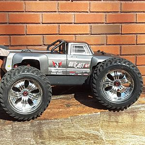 Outcast rolling hpi Goliath wheels & tires
