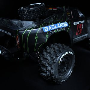 [Monster Senton Pro-Line Badlands MX2.8] Arrma Senton 6s BLX
