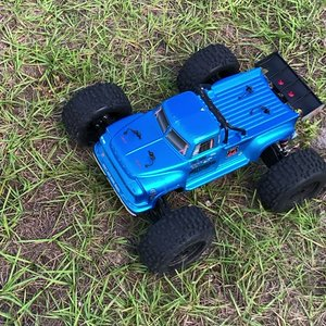 #ARRMA #Notorious #Stunt #Truck on 6s Bashing in Downtown Clearwater, FL