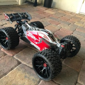 #Arrma #Typhon sporting some SRC Belted Tires!